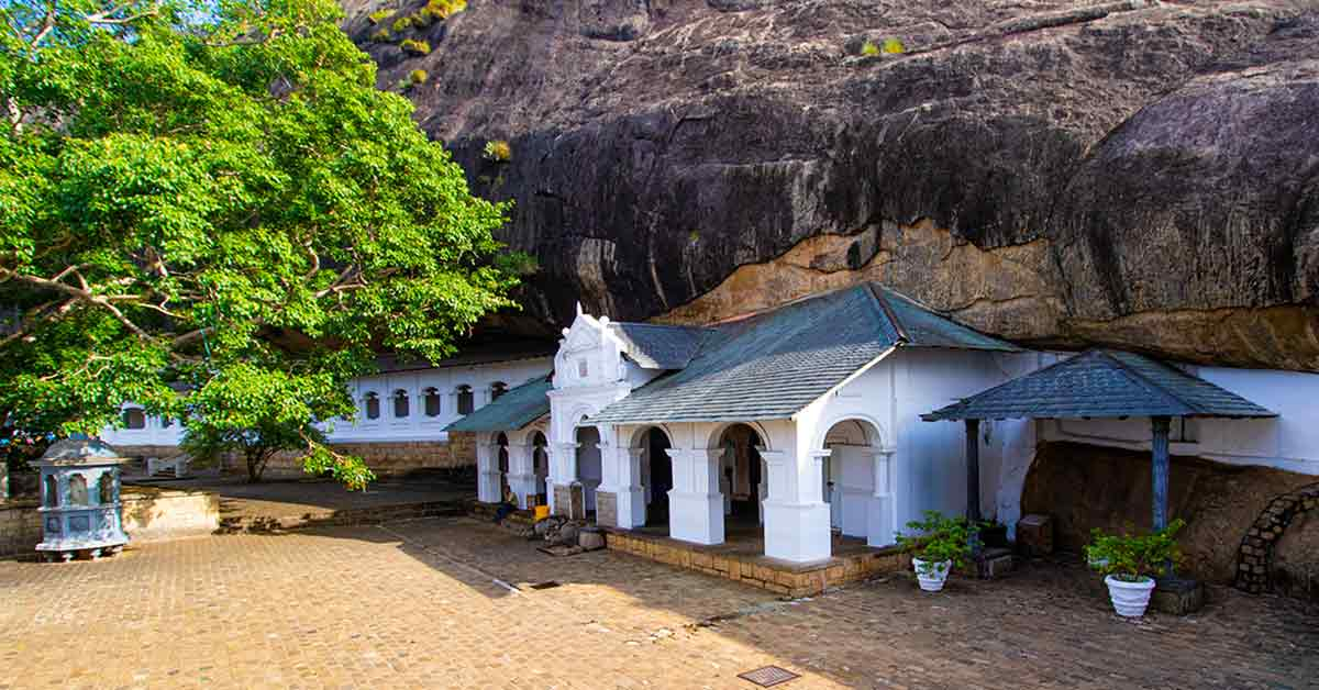 dambulla_cave_temple_sri_lanka